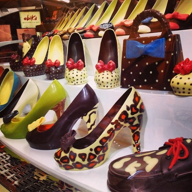 Chocolate shoes in Milan - a perfect holiday gift for your chocolate loving Fashionistas!  Visit Rinascente in Milan.